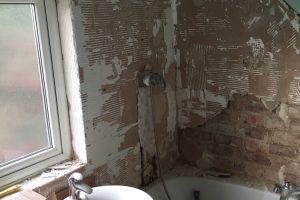 Thrapston Tiling bathroom before